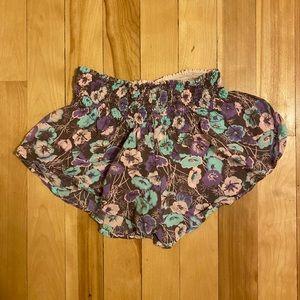 Olivaceous Shorts